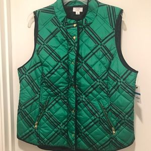 Crown and Ivy plaid quilted vest. NWT. Size XL